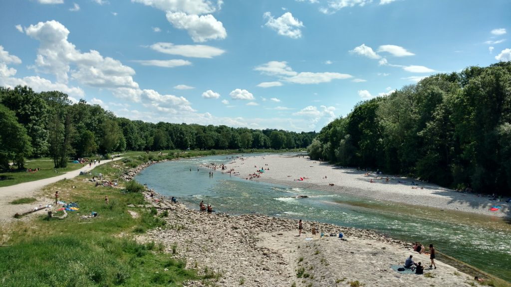 Summer in Munich, biking along the Isar